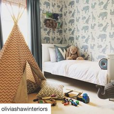 Thank you to @oliviashawinteriors for sharing this glorious room she made.  It shows off our 'How it works' white wallpaper to perfection. You can shop this style here: https://www.paperboywallpaper.co.uk/childrens-wallpaper/how-it-works/how-it-works-white-wallpaper #kidsroomdecor #decorating  #animalwallpaper