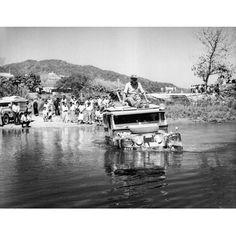 Expedición Land Rover Asia 1955. Mesai River