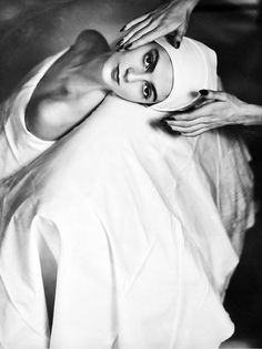 Photo by Horst P.Horst, 1946, Carmen Dell'Orefice, Face Massage, NY #carrouseldelamode