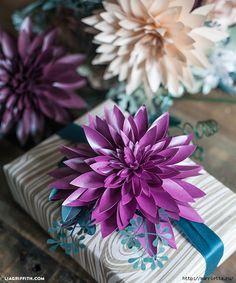ГЕОРГИНЫ из бумаги. Шаблоны для распечатки. По материалам сайта liagriffith.  com  Бумажными георгинами можно оригинально украсить подарочную упаковку, а также составить из них цветочную композицию дл…