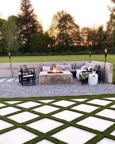Backyard landscape design with concrete fire pit and modern outdoor space complete with grid style turf. Gravel Landscaping, Luxury Landscaping, Outdoor Spaces, Outdoor Living, Outdoor Decor, Concrete Fire Pits, Dollar Tree Decor, Cool Diy Projects, Landscape Design