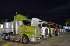 Collins Adelaide Big Rig Trucks, Cool Trucks, Kenworth Trucks, How To Clean Metal, Rigs, Sony, Bears, Cool Photos, Australia