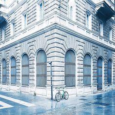 Solo bike parking on a rainy day  #cx_travel #cx_bikes w/ #galaxys7edge by claudio.x