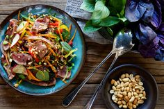Thai Beef Salad - Make delicious beef recipes easy, for any occasion Thai Beef Salad, Rump Steak, Sugar Snap Peas, Green Peas, How To Make Salad, Japchae, Food Styling, Beef Recipes, Easy Meals