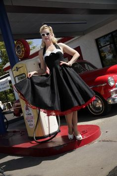 classic dame 50s style dress