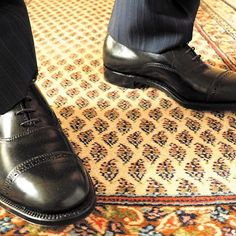 2017/02/23 03:39:40 newyorkandtokyo Black Cordovan Perforated Cap toe Balmoral with dark blue stripe suit カフェで知り合ったギャルはドクターで患者さんのいない時にオフィスに遊びにきてと言ってくれました。このNagareは…。 #alden #aldenshoes #オールデン #足元倶楽部 #足元くら部 #rolex #denim #suit #tie #shirt #bag #model #socks #shoefie #mensfashionblog #mensfashionpost #menswithstyle #getdapper #dappermen #tattoolover #instafashion #igstyle #sneakers #shoegame #ootdmen #gentleman #streetwear #streetstyle #gq #gqstyle