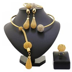 8e9a2140185 African Beads Jewelry Set Exquisite Carved Dubai Pure gold -color Jewelry  Set Nigerian Wedding Bridal