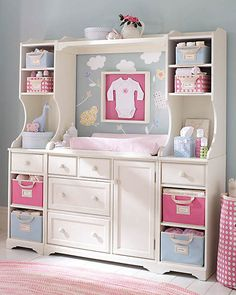 In a shared nursery, smart organization and efficient use of space are key to creating a room that's easy to use and fun to spend time in.    For maximum storage in a small footprint, consider a modular system with a mix of open and closed storage.