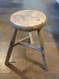 Oud rond houten krukje driepoot sfeerimpressies huis haard pinterest stools and country - Top plastic krukje ...