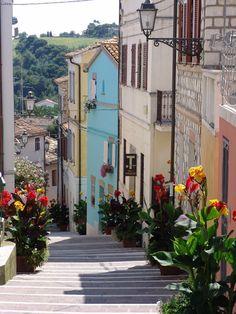 (via La Costarella, a photo from Ancona, Le Marche   TrekEarth)  Numana, Marche, Italy