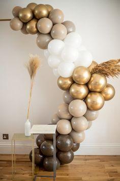 Boho Balloon Arch Kit / Brown Balloon Garland / Wedding | Etsy Ballon Backdrop, Balloon Arch Diy, Ballon Arch, Balloon Garland, Gold Party Decorations, Diy Birthday Decorations, Balloon Decorations, Gold Balloons, Wedding Balloons