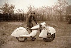 In 1935, the Killinger and Freund motorcycle was an attempt to make an improved version of the Megola, but the advent of World War Two put an end to any further development: