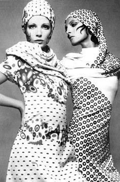 Fashion photography by Gianpaolo Barbieri for Vogue Italia, 1969 Source by DoctorLindy clothes fashion photography Mode Vintage, Vintage Vogue, Vintage Glamour, Ellen Von Unwerth, Man Ray, Ansel Adams, Annie Leibovitz, 60s And 70s Fashion, Retro Fashion