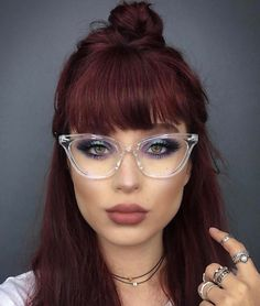 eye glasses face shapes 641763015637058043 - Source by Pelo Color Vino, Pelo Color Borgoña, Fashion Eye Glasses, Cat Eye Glasses, Glasses Outfit, Daniel Golz, Hair Inspo, Hair Inspiration, French Braid Hairstyles
