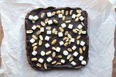 Rocky Road Fudge Bites #holiday #fudge #marshmallows