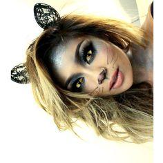 pala_foxxia #meoooww fun and easy kitty Katt look️ used @snookisofficialtwin glitter ️ @flutterlashesinc @makeupshayla lashes ️
