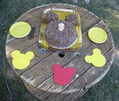 Il blog di El: Festa Compleanno di Topolino Torta sagoma Topolino Minnie Mouse Party, Boy Birthday, Stepping Stones, Party Ideas, Outdoor Decor, Blog, Home Decor, Stair Risers, Decoration Home