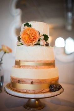 To see more amazing wedding cakes: http://www.modwedding.com/2014/11/01/utterly-speechless-romantic-wedding-cakes/ #wedding #weddings #wedding_cake Cake: Sweet n Flour via Stephanie W Photography