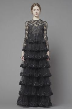 Valentino Pre-Fall 2013 Black Dress #2dayslook #sunayildirim #BlackDress www.2dayslook.com
