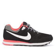 Bijzondere Nike Dames > Meisjesschoenen > Sneakers sneakers (zwart) Sneakers van het merk Nike . Uitgevoerd in zwart. Lees meer op http://www.sneakers4u.nl/sneakers-online/nike-dames-meisjesschoenen-sneakers-sneakers-zwart-4/