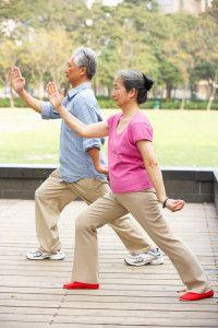 TAI CHI E DIABETES.  A prática do tai chi, também conhecido como t'ai-chi ch'aun, trás benefícios ao corpo e à mente. A antiga arte tem comprovado reduzir a ansiedade e o estresse, melhorando nosso humor. Também tem mostrado influenciar positivamente nosso corpo, inclusive no caso dos indivíduos afetados pelo diabetes.