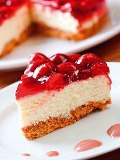 Çilekli cheesecake Tarifi - Tatlı Tarifleri Yemekleri - Yemek Tarifleri