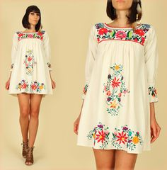 ViNtAgE 70's Cream Long slv. Mexican Hand  Floral Embroidered MiNi Dress Tunic