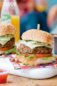 This Mexican veggie burger recipe makes a delicious dinner idea and is the perfect way to get the kids involved in cooking. Burger Recipes, Veggie Recipes, Mexican Food Recipes, Vegetarian Recipes, Cooking Recipes, Veggie Meals, Healthy Recipes, Healthy Meals, Yummy Recipes