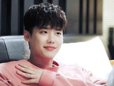 Lee Jung suk as Kang chul Lee Jong Suk Cute, Lee Jung Suk, Lee Hyun Woo, Lee Joon, W Kdrama, Kdrama Actors, Suwon, Lee Jong Suk Wallpaper, Kang Chul