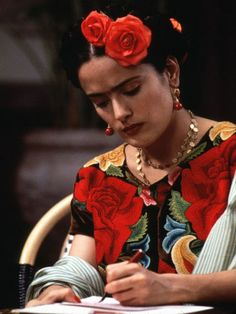 cinematic fashion: Frida