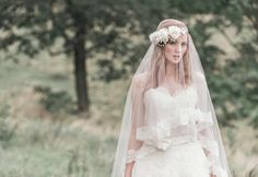 perfect bride veil and flower crown  http://www.enchantedatelier.com/