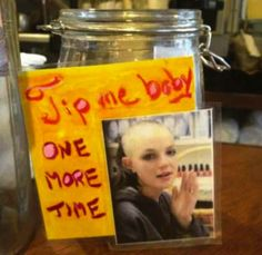 21 Incredibly Effective Tip Jars Funny Tip Jars, Bartender Quotes, Jar Bar, Baby One More Time, Laughing Quotes, Filthy Animal, Bar Signs, Diy Arts And Crafts, Funny Signs