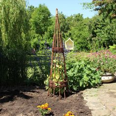 rankhilfe spiral obelisk aus weide gartendeko pinterest garten deko garten und obelisk. Black Bedroom Furniture Sets. Home Design Ideas