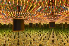 Yayoi Kusama, Infinity Mirrored Room – Love Forever (1966/94) at the Hirshhorn Museum and Sculpture Garden. Courtesy of Ota Fine Arts, Tokyo/Singapore; Victoria Miro, London; David Zwirner, New York. © Yayoi Kusama. Photo by Cathy Carver.