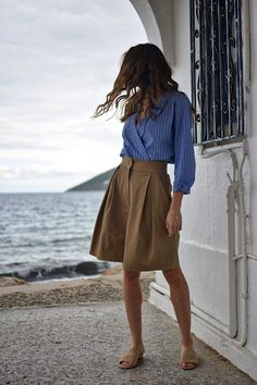 Women shorts high w Culotte Shorts, Pleated Shorts, Linen Shorts, Modest Shorts, Summer Shorts Outfits, Crop Top Outfits, Short Outfits, Stylish Work Outfits, Chic Outfits