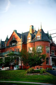 10 Victorian Homes in Manchester, New Hampshire
