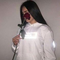 Image about girl in ¢υтє by ❥ l a n y 🧿 on We Heart It Photos Tumblr, Tumblr Selfies, Photo Profil Instagram, Instagram Girls, Instagram Feed, Disney Instagram, Girl Pictures, Girl Photos, Photo Post Bad