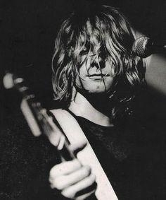 """Kurt Cobain - Nirvana -  Rien le fait d'entendre son prénom """"Kurt"""" me fait mal au cœur... <3"""