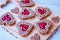Raw Vegan Linzer Cookies for Valentine's day ♥   vegelicacy.com