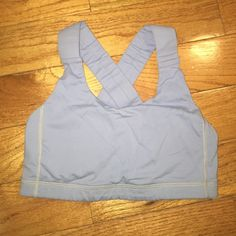 Lululemon Light Blue sz 4 Bra Sports Pads Incl Pre-owned, shows moderate signs of wear (piling/dirt smudges on straps), breast pads included - let's be friends add me on Instagram @OrnamentalStone Facebook Group: Jaded And Traded Pinterest OrnamentalStone /Jaded And Traded Clothes For Sale xoxo lululemon athletica Intimates & Sleepwear Bras