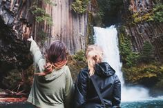 Step 1: Girl needs to dye her hair blonde. Step 2: I need to buy plane tickets out to Oregon this summer so we can adventure together like this. Let's get on this, @Karen Sheelar