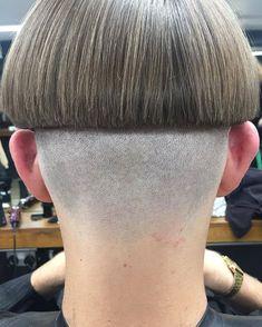 Bowl Haircuts, Haircuts For Men, Short Bob Hairstyles, Boy Hairstyles, Bowl Cut Hair, Clipper Cut, Shaved Nape, Mens Hair Trends, Hair Art