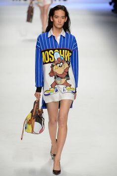 840acd1b9 Moschino Fall 2015. See the best looks from milan fashion week here  Estilo  De