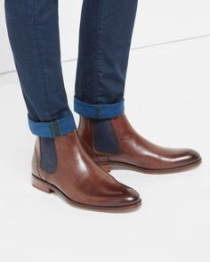 Jeans slim hems with Chelsea Boots men Ted Baker # men'sboots # men's Chelsea Boots Homme, Chelsea Boots Outfit, Black Chelsea Boots, Leather Chelsea Boots, Leather Men, Mens Shoes Boots, Shoe Boots, Dress With Boots, Dress Shoes