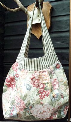 Amy Butler's Birdie Sling Pattern Bag Pattern Obsession! @ sew-whats-new.com
