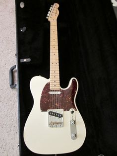 2011 Fender American Special Telecaster electric guitar w/case Mint 0115802305