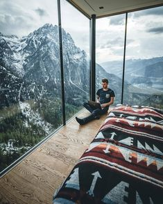 Arrow Maroon - Sit down and enjoy your life. What a beautiful place in Austria 🇦🇹 This View out of the window of the Dolomites is unbelievable. These are the moments why I love traveling. Photo by Signature Photography Interior Design Inspiration, Home Interior Design, Workspace Inspiration, Room Interior, Exterior Design, Travel Inspiration, Style Inspiration, Places To Travel, Places To Visit