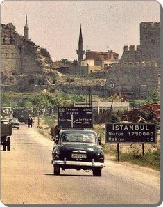 50 Most Beautiful Nostalgic Photographs from Old Istanbul - prit pins Istanbul Pictures, Empire Ottoman, Istanbul City, Historical Pictures, Beautiful Places To Visit, Best Cities, Nature Pictures, Beautiful Pictures, Old Photos