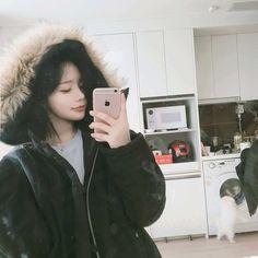 Bff Girls, Cute Girls, Son Hwamin, Hwa Min, Korean Short Hair, Pretty Asian Girl, Korea Boy, Western Girl, Ulzzang Korean Girl