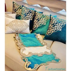 pinartandem@gmail.com @tandemtasarim #yastık#süsyastığ...Instagram photo | Websta (Webstagram) Sewing Pillows, Diy Pillows, Floor Pillows, Decorative Pillows, Throw Pillows, Diy Cushion, Cushion Covers, Crochet Bedspread, Ramadan Decorations